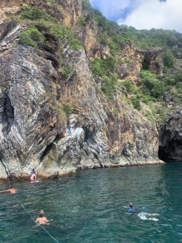 El Nido Paradise Tour Cliff Jumping
