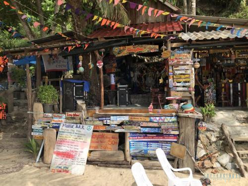 Mong Bar Koh Mook